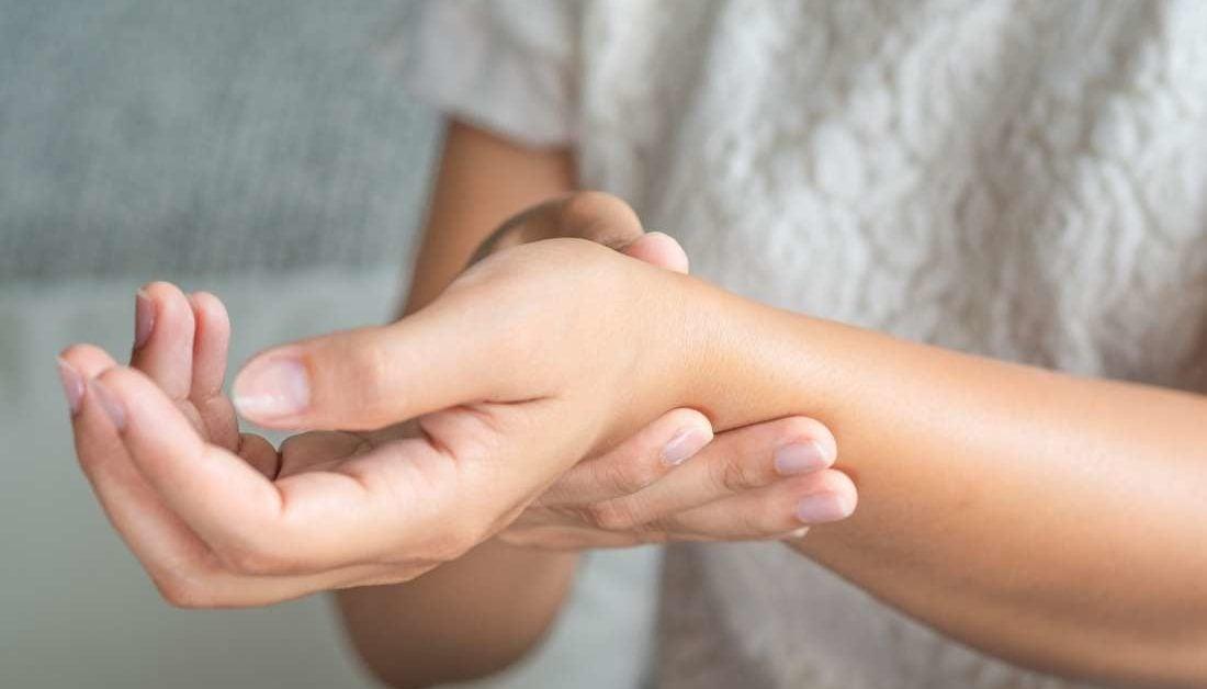 edema painful joints sąnariai pradeda skaudėti pirštus ką daryti