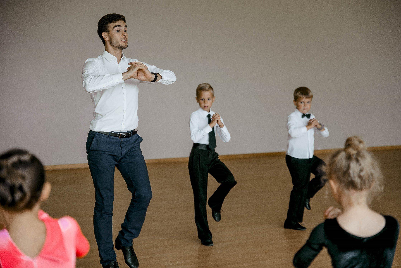 šokiai su skausmus sąnariuose uždegimas peties sulyginti gydymo tepalą