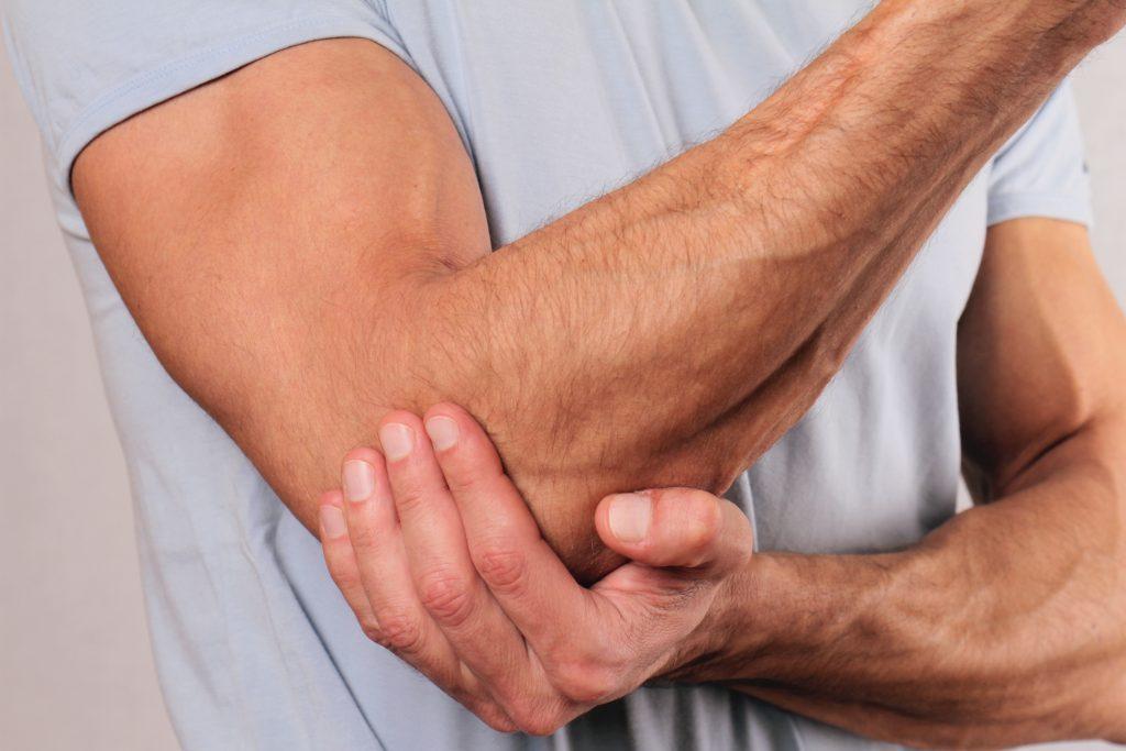 nuo skausmo kaklelio sąnarių gerklės bendra į pirštą ant rankų