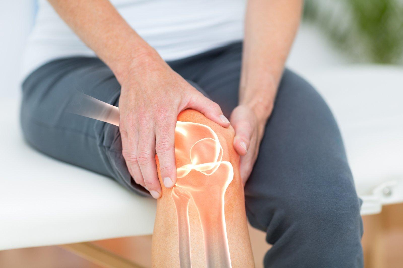 temą ant riešo su sąnarių skausmas