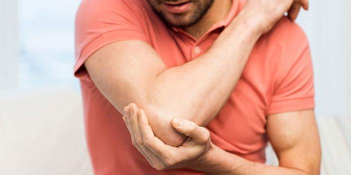 skausmas alkūnės sąnario gydymo namuose