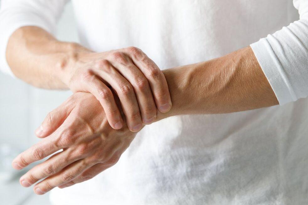 riešo artrito gydymui šepečiai