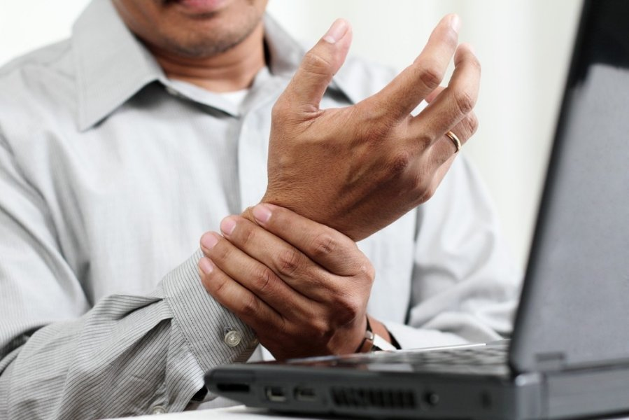 swollen hands painful joints pregnancy