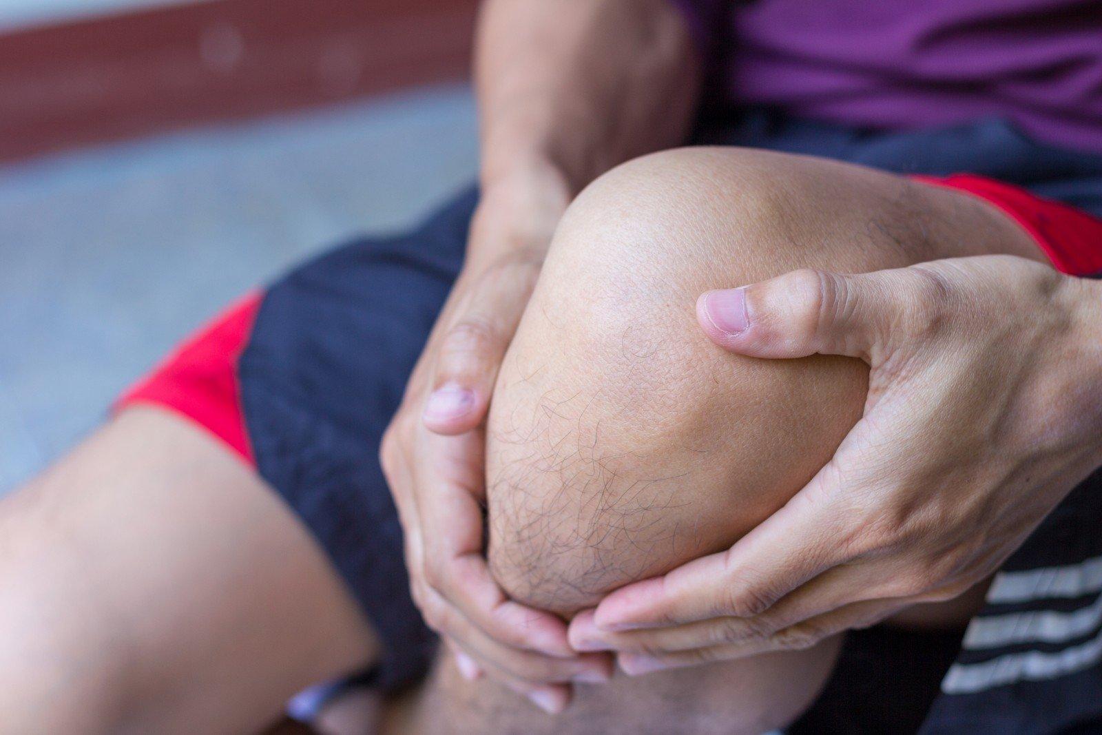 blauzdikaulio sąnarių skausmas gydymas sąnarių kvyoi
