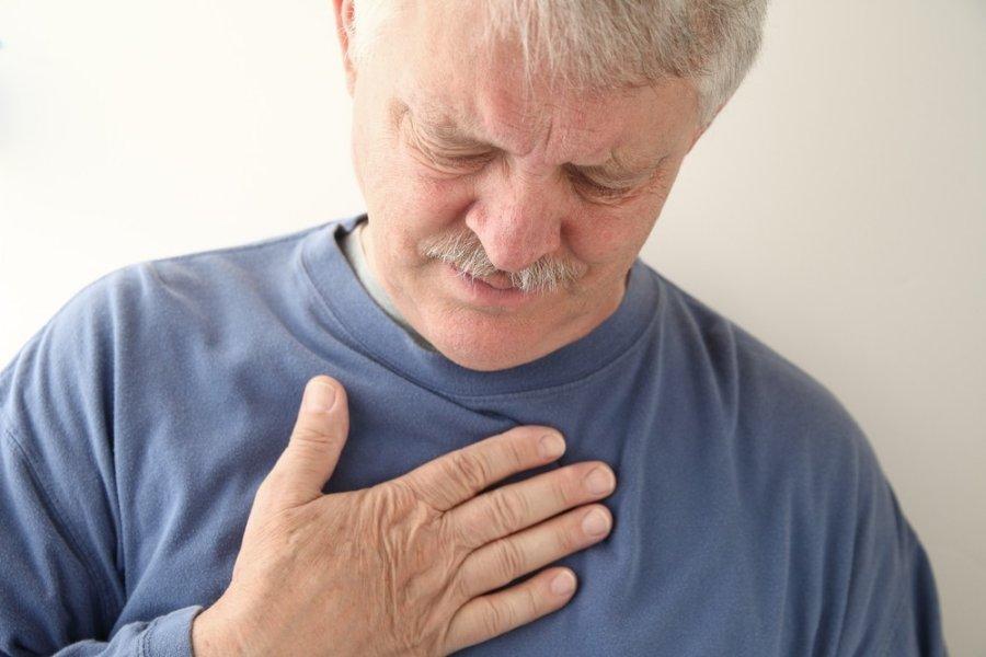 skauda dešinėje krūtinės pusėje kremas sąnarių mov moov