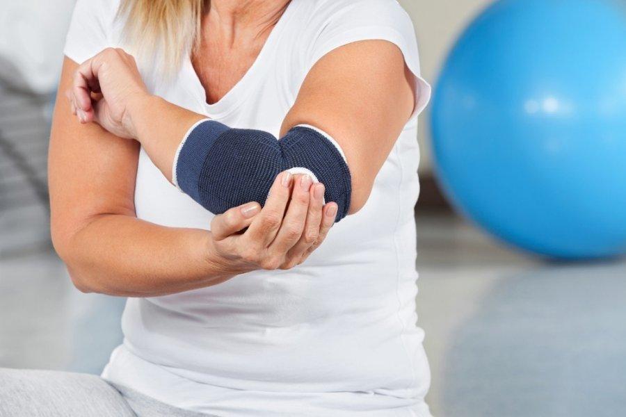 defartrosis iš alkūnės sąnario gydymo peties sąnario dešinės rankos skausmas