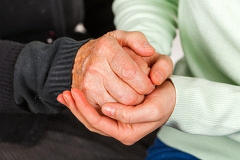 gerklės sąnarių apie priežastis rankas priemonės skausmas rankose sąnarių