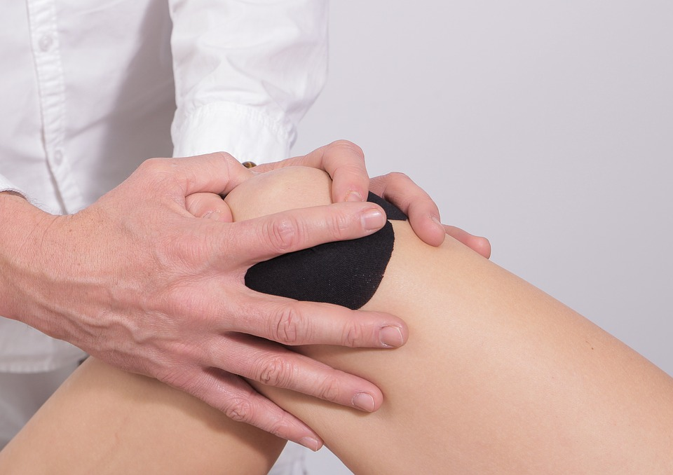 tabletės skausmas pečių sąnarių