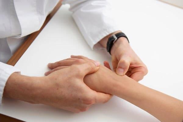 liaudies gynimo priemonės skirtos iš pirštų gydymo sąnarių gydymo grybai sąnarių skausmas