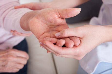 reumatoidinis artritas pirštams gydymo