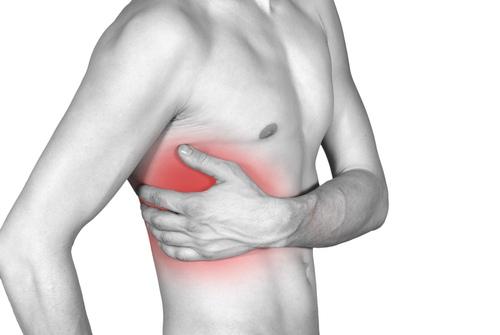 skauda dešinėje krūtinės pusėje neurologija sąnarių skausmas